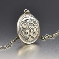 Stunning Forget Me Not Flower Silver Locket Necklace