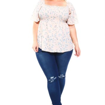 Women's Plus Size Floral Smocked Elastic Top