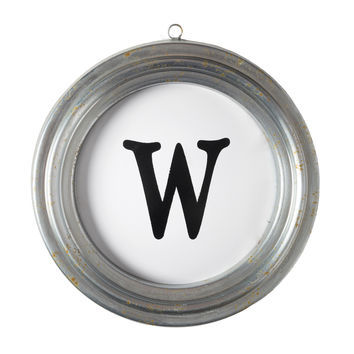 Wall Letter W in a Round Metal Frame