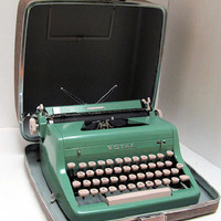 PROFESSIONALLY SERVICED 1950s Teal Royal Typewriter with case