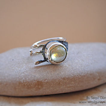 Pearl Ring-  Modern and Elegant - Artisan Designer Jewelry - Adjustable between 4 - 9  (US Size) - Hands Collection - Ready to Ship