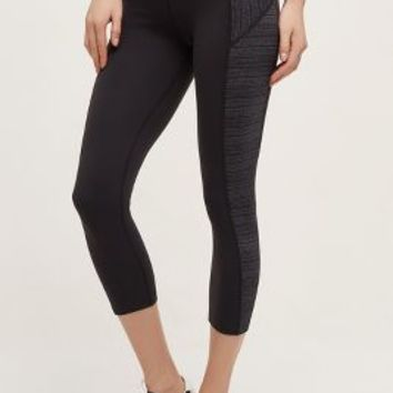 Beyond Yoga Side Stripe Crops in Black Size: