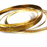 Vintage Bangle Bracelets // Gold Bangles // Thin // Etched // Set of 5 Golden Rings