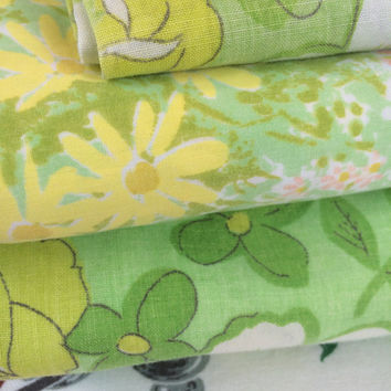 Mismatched Vintage Full Sheet 1960s Flower Power Green Floral Flat Fitted Pillowcase Vintage Bedding