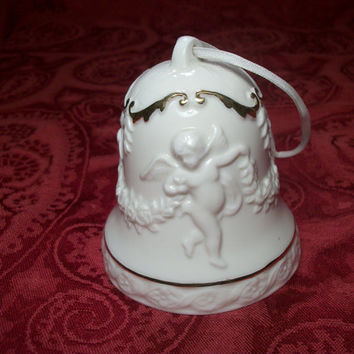 White Porcelain Cherubs Bell Gold Trimmed Angels and Garland Hanging Christmas Tree Ornament Collectible Vintage  Home Decoration