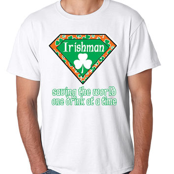 Irishman saving the world st patricks men t-shirt