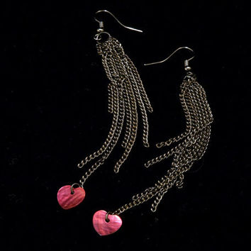red shell heart and gunmetal toned chain tassel long earrings