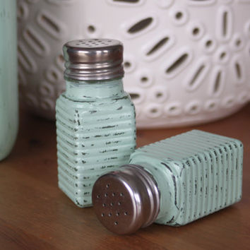 Shabby Chic Salt and Pepper Shakers, Salt and Pepper Shakers, Rustic Green kitchen, Rustic Salt and Pepper Shakers, Vintage decor