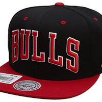 Mitchell&Ness Chicago Bulls Snapback Hat Mens Style: ITC-NZ06Z-BLK/GREY/RED Size: OS