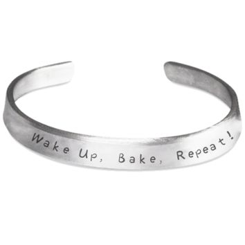 Baking Bracelet for Her - Christmas 2016 Bake Cookies For Holidays Gift - Holiday Jewelry For Mom, Wife, Girlfriend, Grandma