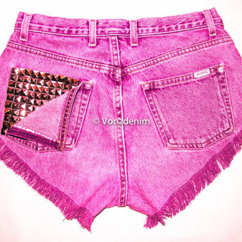 High Waisted Studded Shorts, Vintage Denim Shorts, High Rised Shorts, Coachella Fashion, Plus Size Shorts, Levi, Guess, Wrangler, Lee, etc.