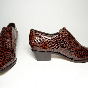 vintage leather Dingo womens brown croc embossed ankle  Boots - Size 9