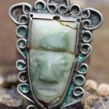 Vintage Mexican 925 Sterling Silver & Hand Carved Green Jade Azteca Mask Masquette Ring