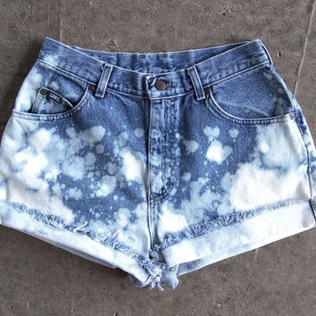 "1990s LEE high waisted booty shorts ombre splatter bleached acid wash blue denim cut offs 29"" waist"