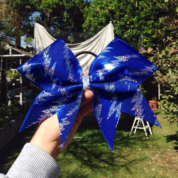 Lightning bolt bows