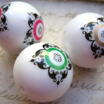 Vintage LaRgE focal beads white black scroll filigree ornate  24mm  (3)