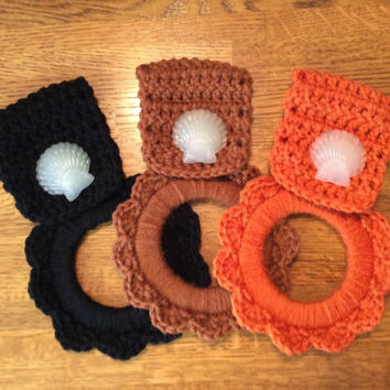 1-your choice of color,Kitchen towel hanger, shell, beach, nautical, crochet, nautical, hand crochet, black, rusty brown or pumpkin orange