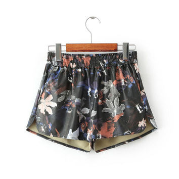 Autumn Women's Fashion Print Split Pants Shorts [4918045316]