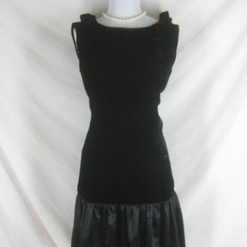 Vintage 50s 60s Evelyn Alden Black Velvet and Satin Cocktail Party Dress W 28