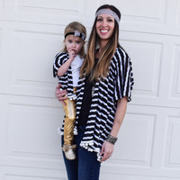 Black and white striped mommy and me kimono set. Adult kimono, mommy and me shirts, best friend shirts, swim suit cover up, matching shirts