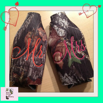 Mr & Mrs Coozie Set Mossy Oak Camo or Black  ZIPPER BOTTLE  Insulator/Cooler Coozie
