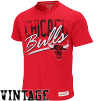 Mitchell & Ness Chicago Bulls Hardwood Classics Pre-Game Vintage T-Shirt - Red