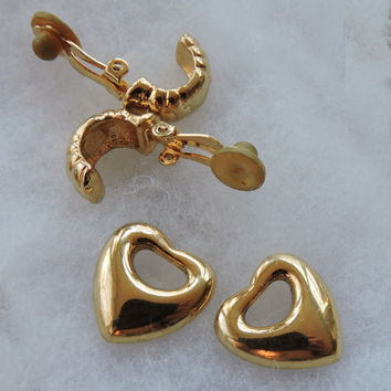 Vintage Joan Rivers Collection Signed Gold Tone Clip On Dangle Rhinestone  Heart Clip On Earrings