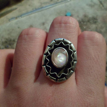 Authentic Navajo,Native American Southwestern sterling silver double band pink mother of pearl rainbow sunshine rays ring.Size 7.