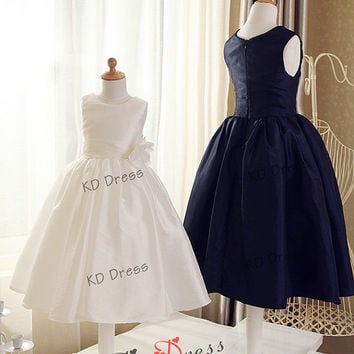 ON SALE Ivory/Navy Blue Taffeta Cute Flower Girl Dress Children/Kids Birthday Party Dress with Ivory/Navy Blue Flower(Z1004)