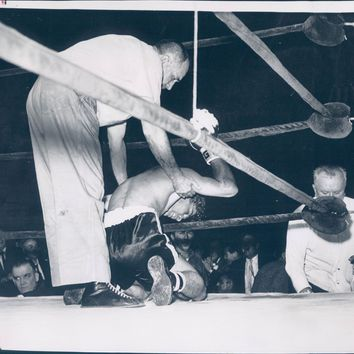 1960 Photo Harold Valan Referee Tommy Pacheco Fighter Boxer Ring Sports Arena