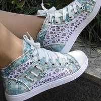 Lace Style Converse from sniksa