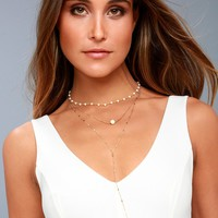 Effortlessly Elegant Gold and Pearl Layered Necklace