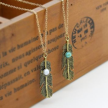 NK620 Boho Feather Pendant Necklaces Fashion New Sailor Moon Collares Vintage Leaf Necklace For Women Clavicle Collier Jewelry