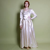 40s Ivory Satin WEDDING DRESS / Strong Shouldered Gown w Train, s