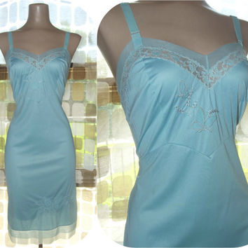 Vintage 50s Sky Blue Nylon & Chiffon Butterfly Full Slip 32 Embroidered YOUTH FORM Dress