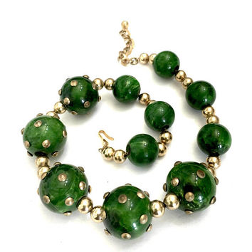 Graduated Bakelite Beaded Necklace, Five Marbled Green Bakelite Beads Round Brass Studs, Unique Design, Brass Bead Spacers, Vintage 1940s