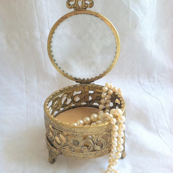 Mid Century Matson Inspired/Stylebuilt Accessories Footed Jewelry Casket Box/Ormolu Gold/Hollywood Regency/Beveled Glass Lid/Mad Men
