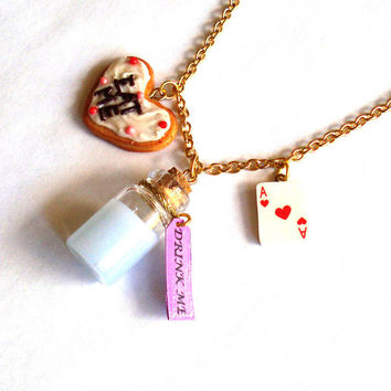 Alice in Wonderland Charm Necklace Drink Me Eat Me