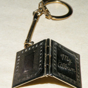 Vintage Photo Album Keychain Silver Tone Photo Locket Photo Book Key Chain