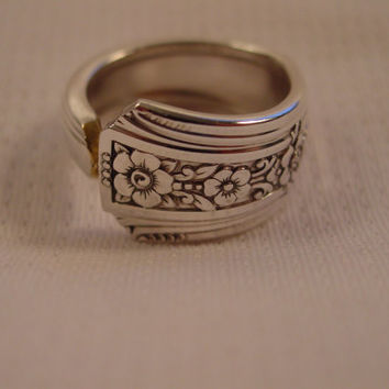 A Spoon Rings Plus Gorgeous Spoon Ring Size 9 Fortune Pattern Repurposed Silverware Jewelry t344