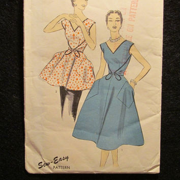 Sale 1950's Advance Sewing Pattern, 6918! Size 16 Bust 34 Small/Med/Women's/Misses/ Coverall Apron/V Neckline/Full Body Apron/Kitchen Access