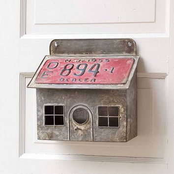 Saltbox Metal Reproduction License Plate Birdhouse