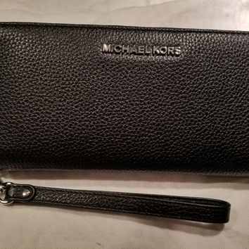 MICHAEL KORS JET SET TRAVEL CONTINENTAL WALLET WRISTLET BLACK LEATHER w/ Silver