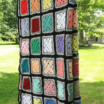 "Granny-square crochet blanket afghan throw with black border - Vintage granny square afghan 71"" x 46"""