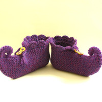 knitted slippers, pixie slippers, elf slippers, jester slippers, genie slippers, wooden buttons, UK seller