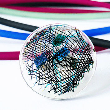 ring, disc - bobbin lace in resin, pvc ring, black, grenn, blue transparent, disc, plastic, yarn, Garn