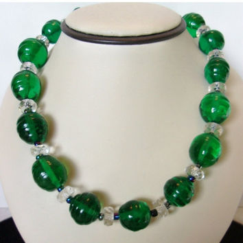 ON SALE Vintage Art DECO Necklace 1930s Emerald Green Glass Bead Chunky Collar Bead