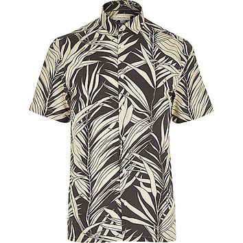 River Island MensBlack Hawaiian leaf print short sleeve shirt