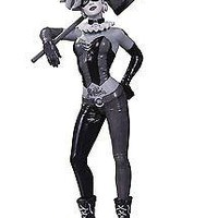 DC Collectibles Batman Black & White: Harley Quinn by Lee Bermejo Statue