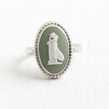 Vintage Wedgwood Sterling Silver Andromache Cameo Ring - Size 7 1/2 English Green Jasperware London 1974 Jewelry